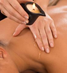 Masaż aromatyczną świecą