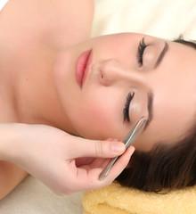 Henna i regulacja brwi
